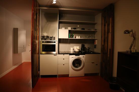 Apartment K: Coin Salon Cuisine