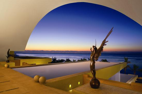 Art living in Marquis Los Cabos
