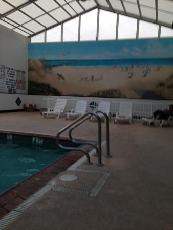 Watson's Regency Suites: Indoor pool