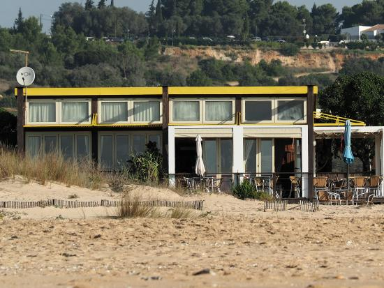 Bar Quim : seen from the beach