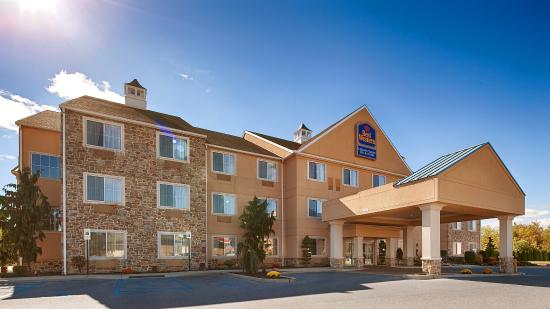 Lebanon Valley Inn & Suites: Exterior