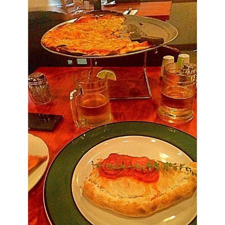 Luna Rossa Restorante & Pizzeriea: Italian