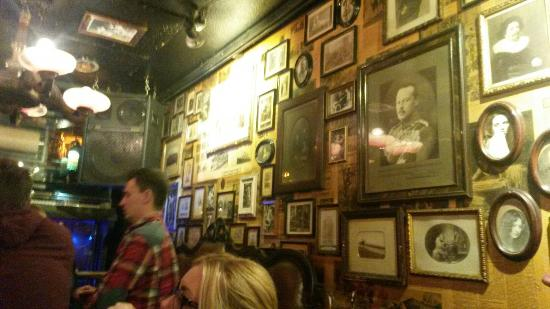 Great bar – na slici je Papa Joe's Klimperkasten, Keln - Tripadvisor