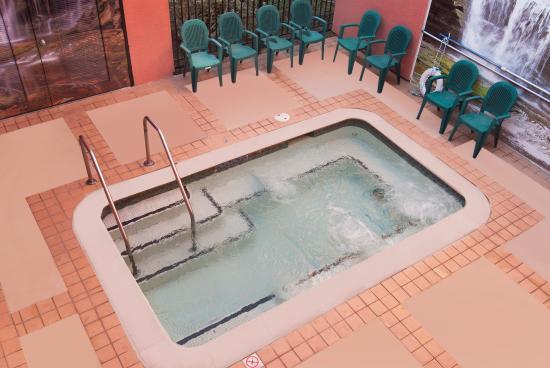 Days Inn Concord: Arial Spa