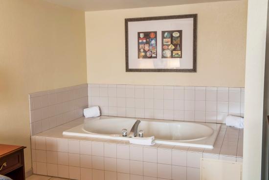 Comfort Inn & Suites Columbus: INNkj