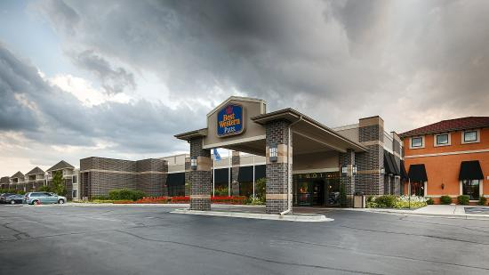 BEST WESTERN PLUS Bloomington Hotel: Exterior