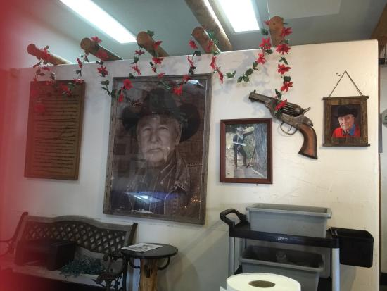 Youngblood's Cafe: photo2.jpg