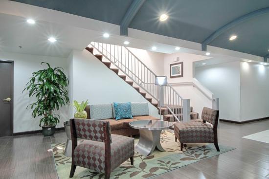 Solana Beach, CA: Lobby Lounge Area
