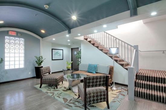 Solana Beach, CA: Lobby Lounge