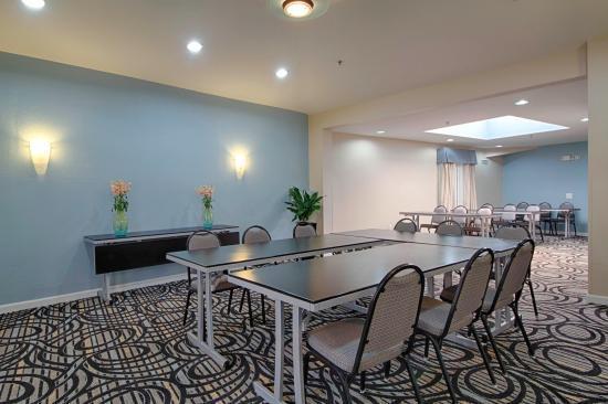 Holiday Inn Express Solana Beach Boardroom