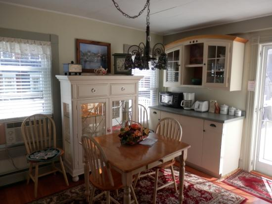 By The Sea Bed and Breakfast: Well equipped kitchen area