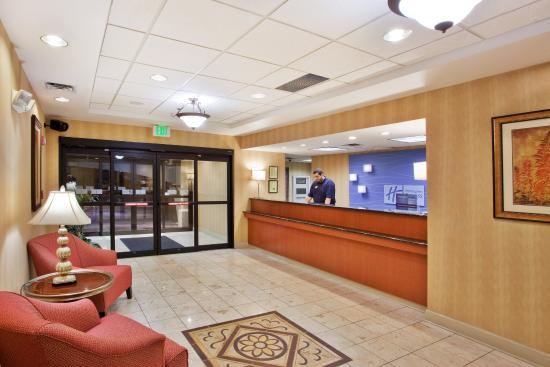 Holiday Inn Express Carrollton: Hotel Lobby
