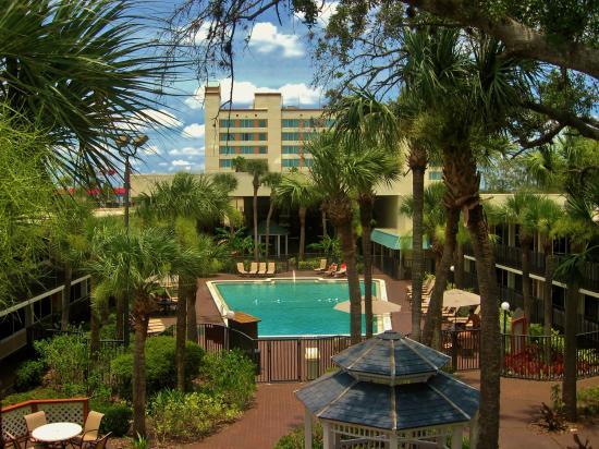 Ramada Kissimmee Gateway: Outdoor Swimming Pool