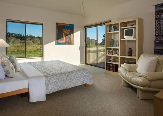 The Sea Ranch, CA: Ocean Whispers Bedroom