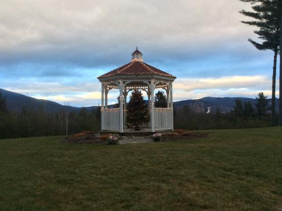 White Mountain Hotel and Resort: Night is falling over the Moutains