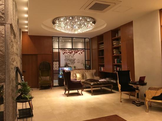 Grammos Hotel: Lobby