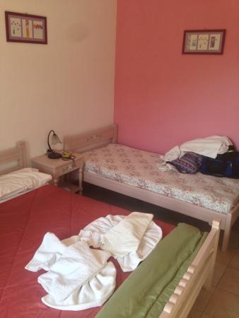 Pansion Limni: Room