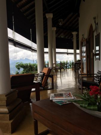 Madulkelle Tea and Eco Lodge: Breakfast Lounge