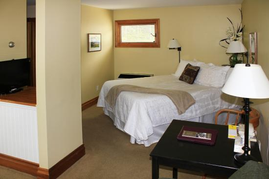 Port Stanley, Καναδάς: bed area of a guest room