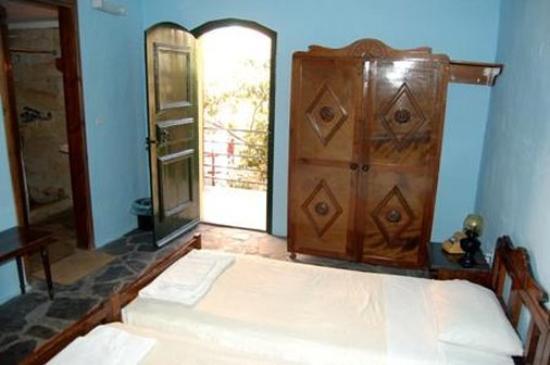 Arolithos Traditional Cretan Village: Guest room