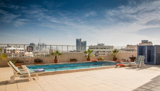 Imperial Suites Hotel: Pool - Roof Top