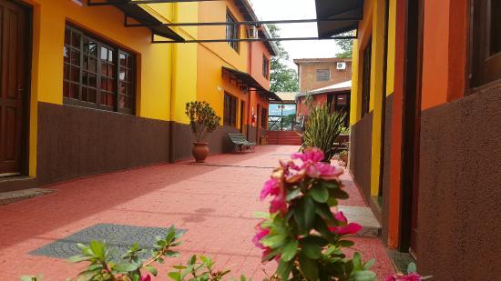 Terra Iguazu Apart Hotel: Jardin