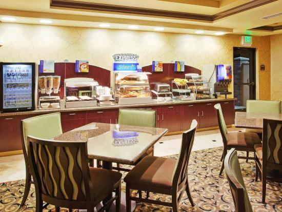 Atascadero, Califórnia: Breakfast Bar