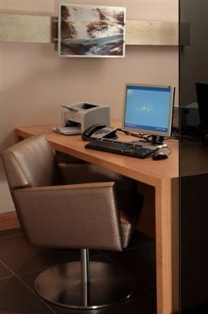 Holiday Inn Express Sandton-Woodmead: Business Centre