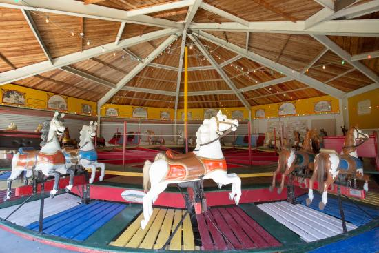 Abilene, KS: Heritage Center Carousel