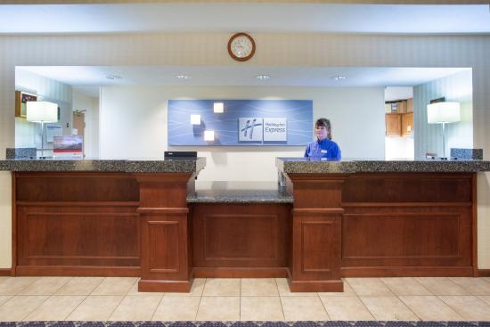 Abilene, KS: Front Desk