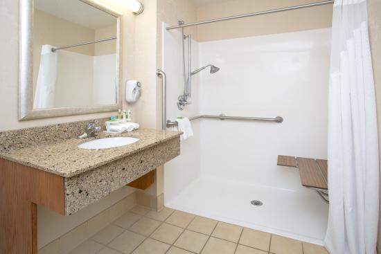 Abilene, KS: ADA/Handicapped accessible Guest Bathroom with roll-in shower