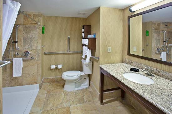 Brockport, NY: Bathroom