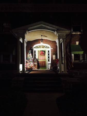 The Olde Square Inn: photo3.jpg