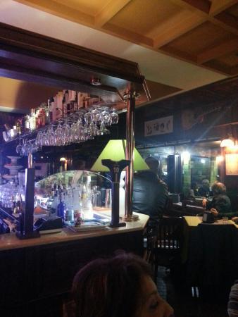 Strauss winebar