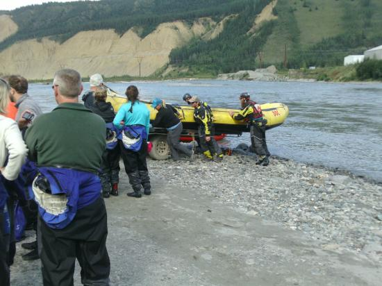 Denali Outdoor Center: Getting the raft ready to return to the office