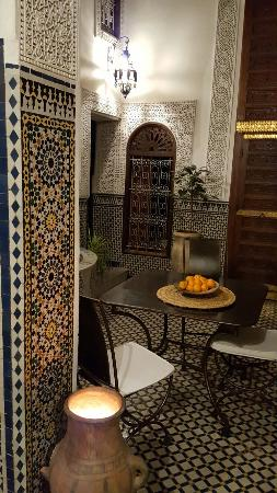 Riad Boujloud: 20151122_220412_large.jpg