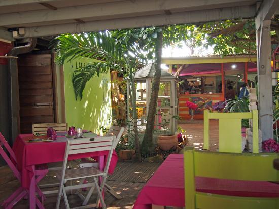 Le bar picture of le jardin des envies trois ilets for Le jardin bar