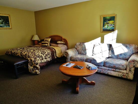 Park Motel : 1 Queen Bed Room #12: ground floor