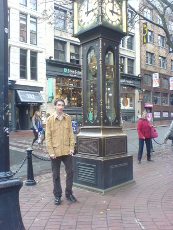 Howard Johnson Hotel Vancouver Downtown: Steam Clock & me
