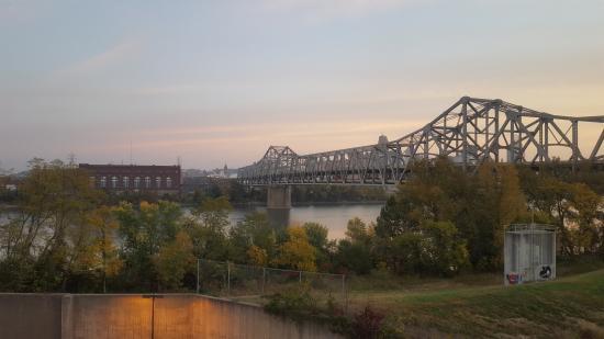 Hampton Inn Cincinnati Riverfront (Downtown Area): my view