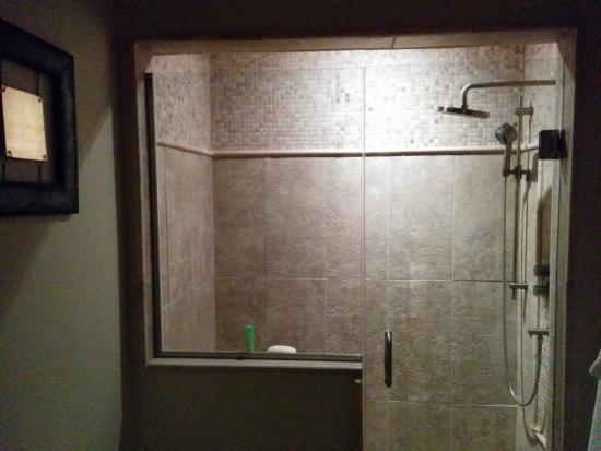 Copper Point Resort: Master Bathroom Shower With Giant Shower Head