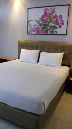 Hotel Surya Indah : Green and Refreshing!!  Love it.
