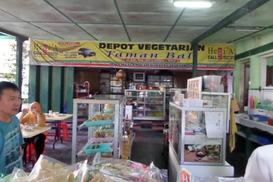"Depot Vegetarian ""Taman Bali"""