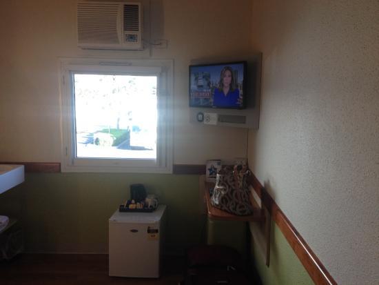 Ibis Budget Dandenong - room amenities