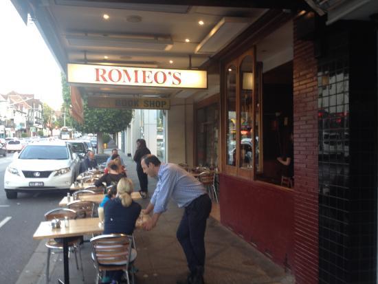 Romeo's Bistro - streetside