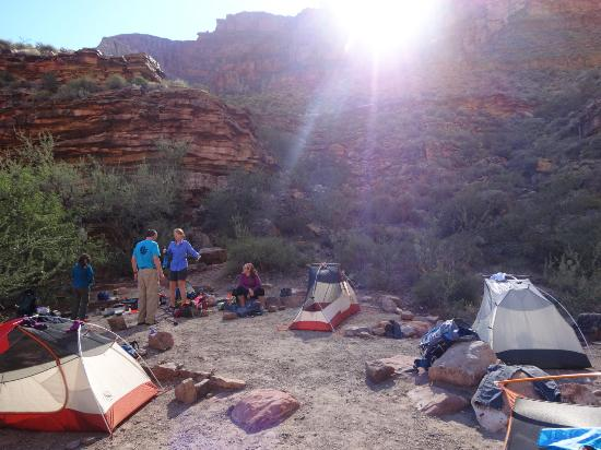 The Wildland Trekking Company - Day Hikes : Camp at Hermit Creek