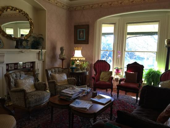 albion manor bed and breakfast victoria vancouver island. Black Bedroom Furniture Sets. Home Design Ideas
