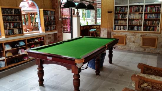 Mai Thai Guest House: Library and Games room