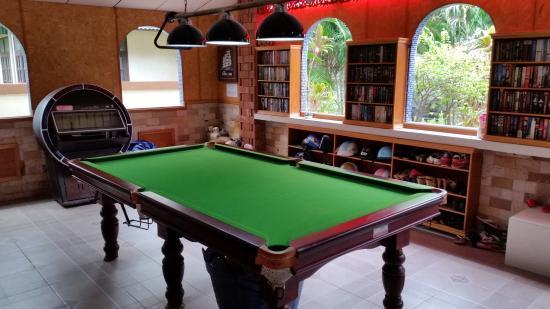 Mai Thai Guest House: Pool Table