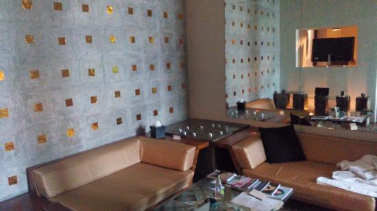 Casa Colombo: Dining/TV Room